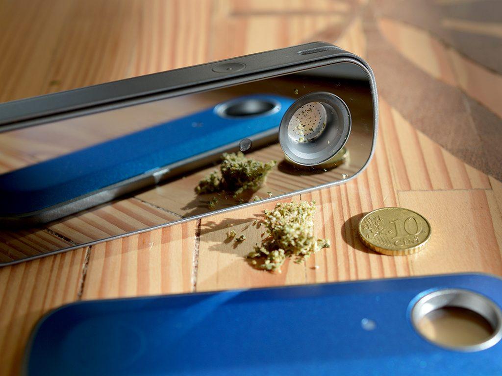 Een volle bowl bevat ongeveer 0,2 gram wiet.