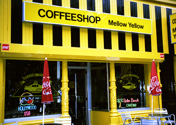 De eerste coffeeshop van Nederland: Mellow Yellow.