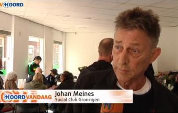 Penningmeester van de Social Clubs Johan Meines bij de officiële opening in Groningen - tevens zijn laatste openbare media-optreden door zijn ziektebeeld.