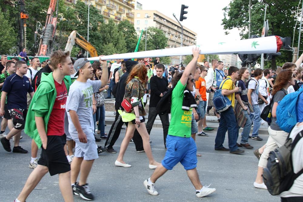Ook in Polen demonstreren mensen voor het recht op cannabis. [Foto: shutterstock/Tomasz Bidermann]