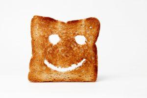 Smeer je wietboter op toast om de dag goed te beginnen. Pas wel op met de dosering, het kan erg potent zijn. [Foto: shutterstock/harmpeti]