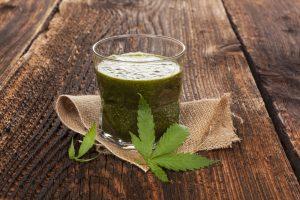 Ook het sap van rauwe wiet kan geneeskrachtig werken. [Foto: shutterstock/Eskymaks]