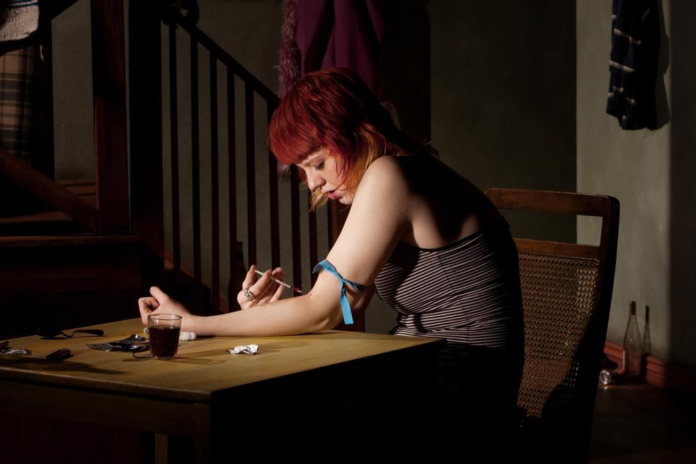 Pijnstillers op opiumbasis kunnen lijden tot heroïneverslaving en de dood door overdoses. Foto: shutterstock/CREATISTA