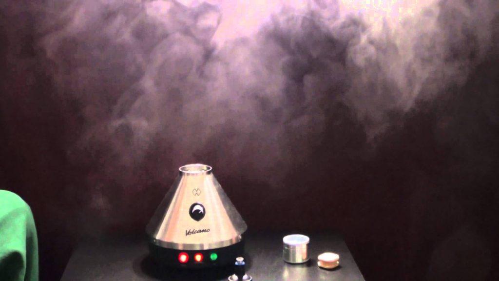 De ideale vaporizer temperatuur is volgens Dr. Arno Hazekamp 210°C. Je verdampt dan zowel CBD als THC en blijft onder de temperatuur dat de wiet verbrandt.