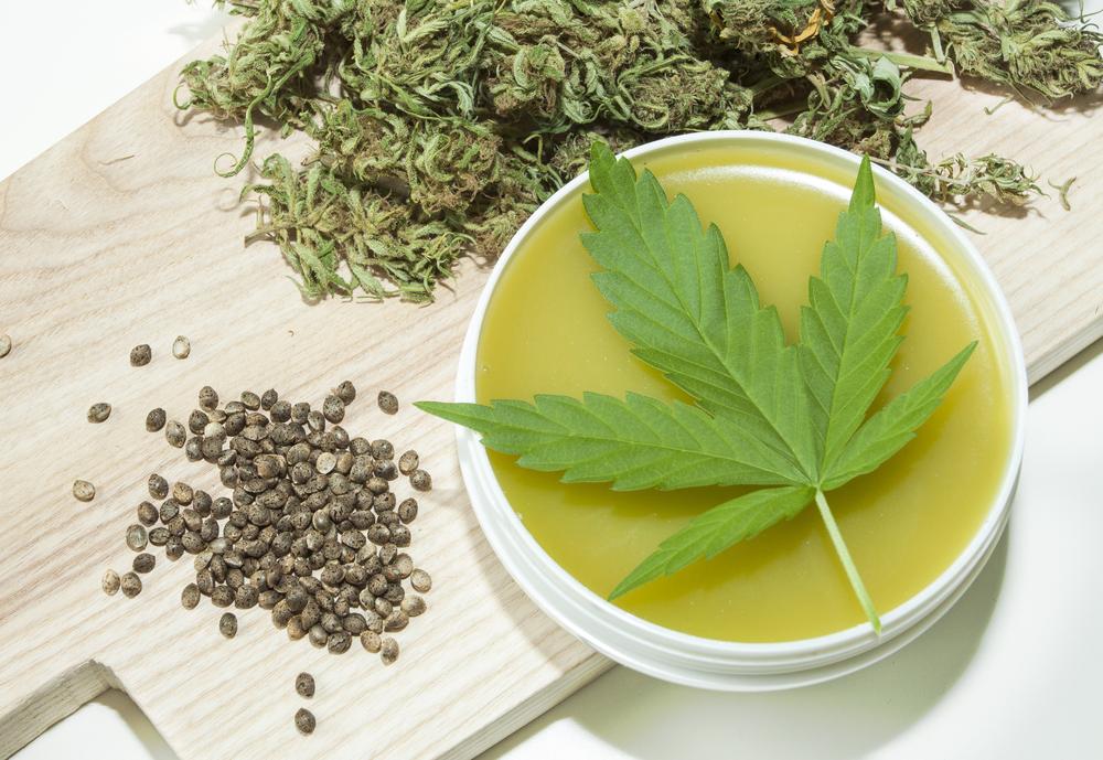 Doordat het z'n oorzaak vindt in het immuunsysteem, is psoriasis te behandelen met cannabis. [Foto: shutterstock/Zuzuan]