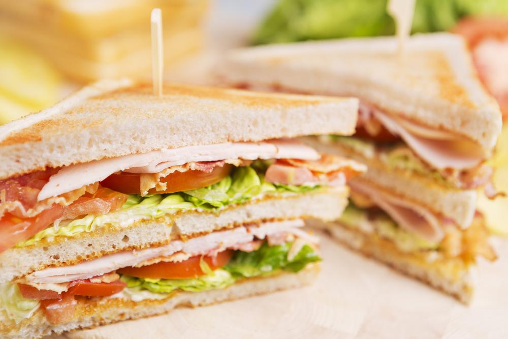 Club Cannabis - Variatie op klassieke kip clubsandwich ...